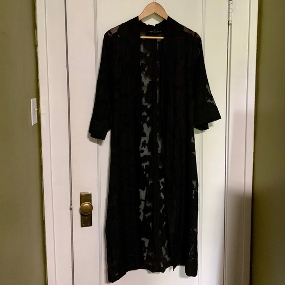 DYNAMITE Sheer Black Floral Kimono | Medium